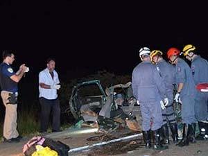 Acidente Patrocínio BR-365 (Foto: Corpo de Bombeiros/Divulgação)