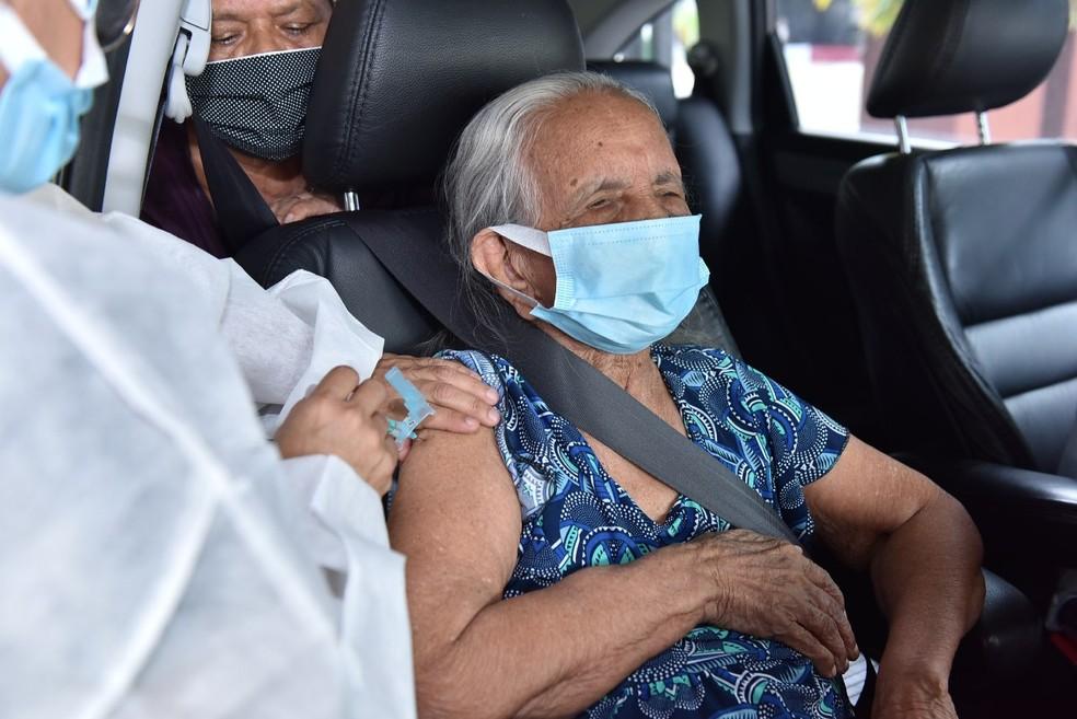 Nesta semana, idosos a partir de 60 anos podem receber a vacina — Foto: Divulgação