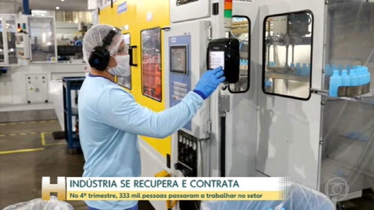 Indústria se recupera e contrata