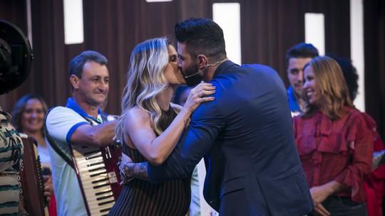 Família de Gusttavo Lima relembra a história do cantor em apresentação do 'Tamanho Família'