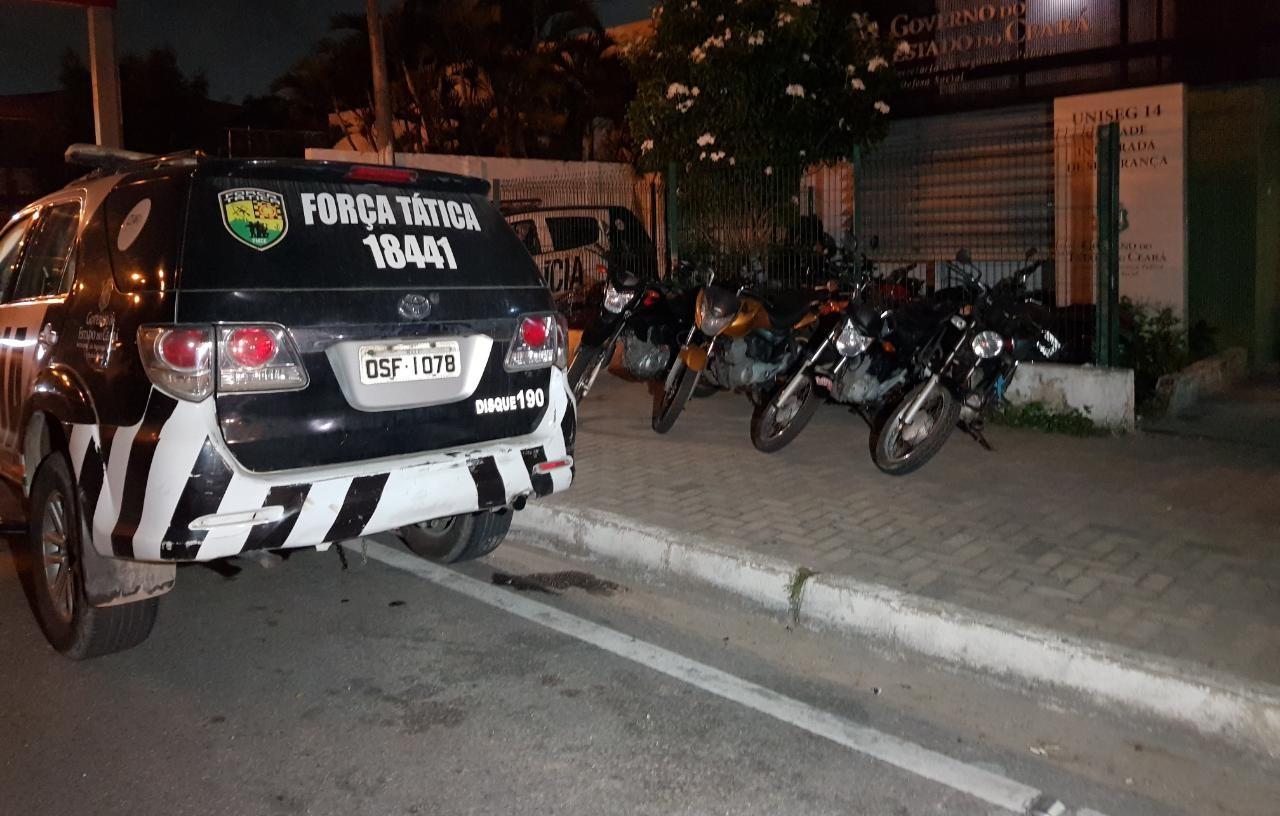 Grupo criminoso é preso em Fortaleza com carro e motocicletas roubados após série de assaltos