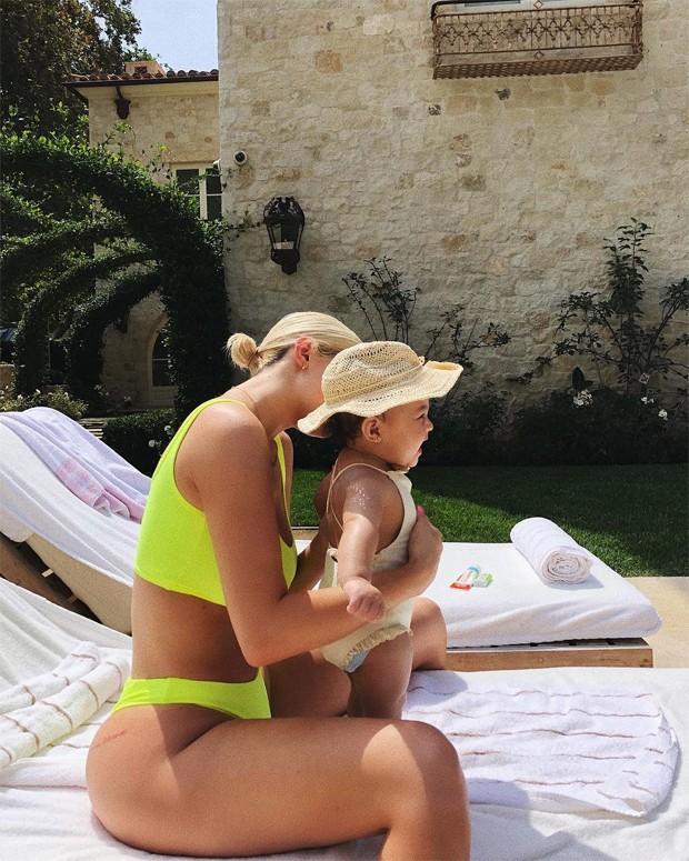 Kylie Jenner e Stormi (Foto: Reprodução/Instagram)