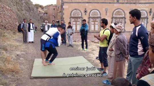 """Ferido em bombardeio, ginasta sírio sonha com """"academia à prova de ataques"""""""