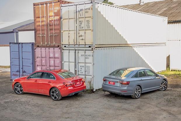 VW Jetta GLI x Mercedes-Benz A200 Sedan (Foto:  Marcos Camargo/Autoesporte)