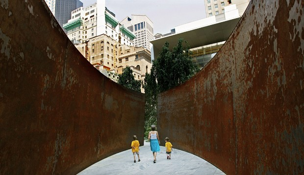Escultura de Richard Serra no MoMA (Foto: Getty Images)