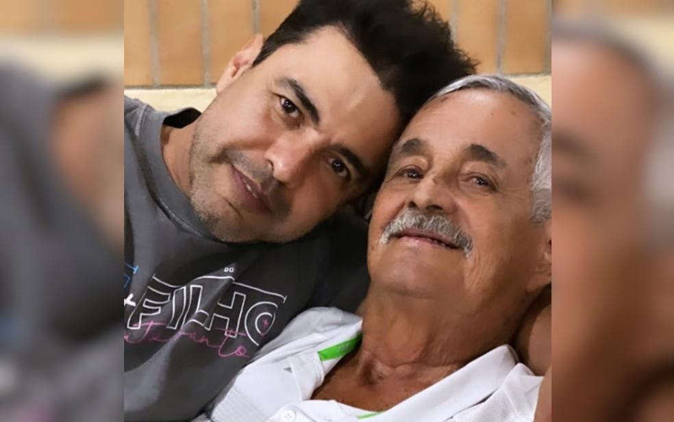 Zezé em foto com o pai, Francisco Camargo  — Foto: Reprodução/Instagram