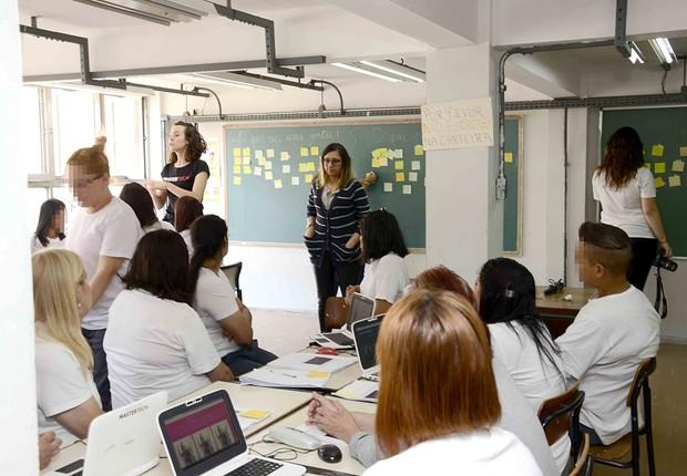 Aula de programação da Mastertech em presídio feminino em São Paulo (Foto: Divulgação/Mastertech)