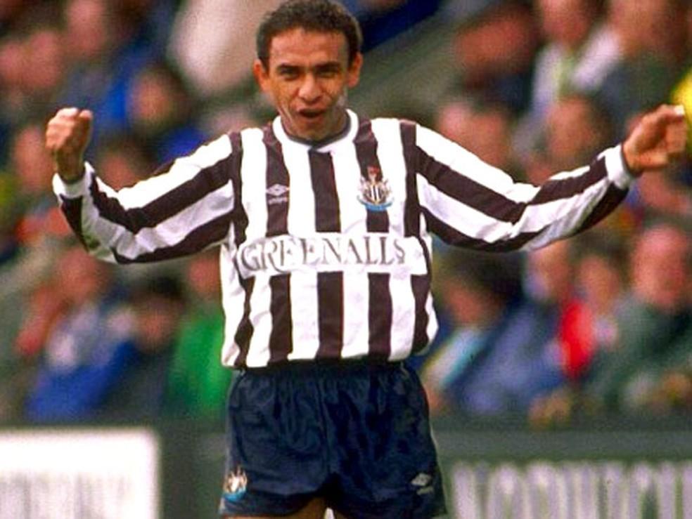 Ex-jogador Mirandinha atuando pelo Newcastle (ING) — Foto: Reprodução/Daily Mail