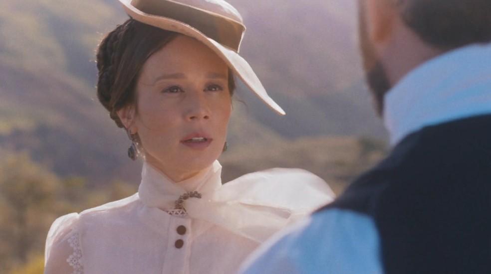 O que D. Pedro II (Selton Mello) não espera é conhecer o verdadeiro amor de sua vida — Foto: Globo