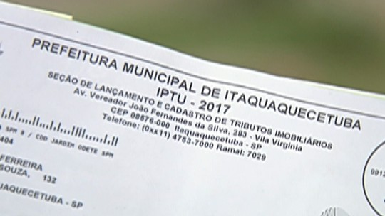 Moradores da Vila Augusta pagam impostos, mas reclamam da falta de investimentos no bairro