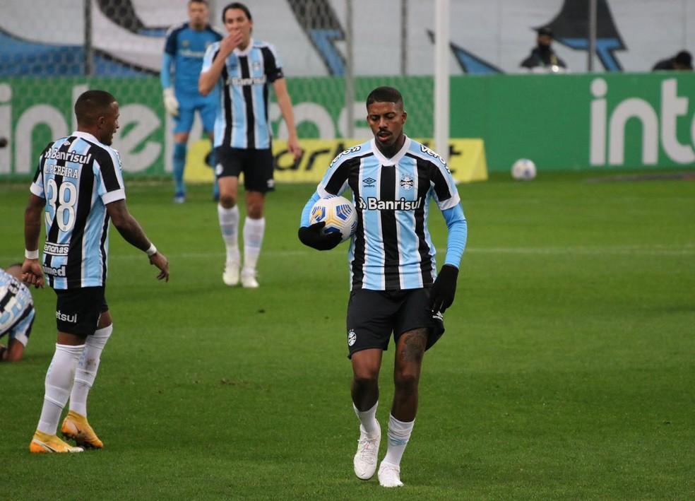Jean Pyerre recebeu oferta do futebol turco, mas direção o segurou — Foto: Eduardo Moura / ge