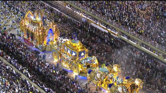 Veja os destaques do segundo dia de desfiles do Grupo Especial do Rio