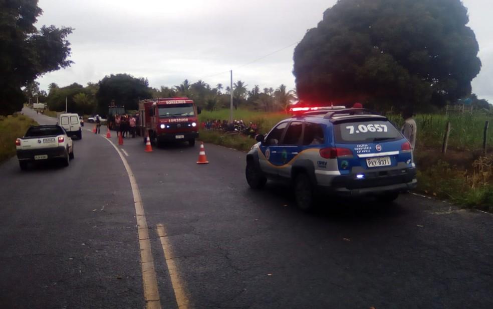 Acidente na BA-290, na manhã deste sábado (27), deixou dois mortos no sul da Bahia — Foto: Divulgação/PRE