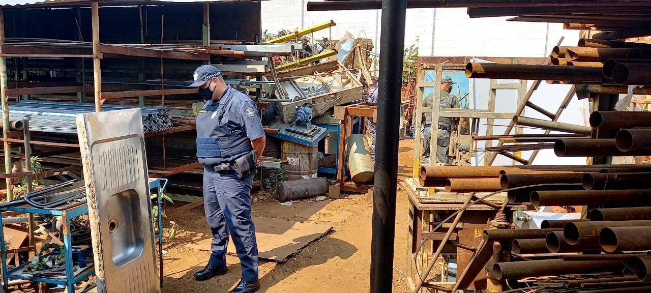 Comércio tem atividades encerradas em ação contra venda ilegal de sucatas em Limeira