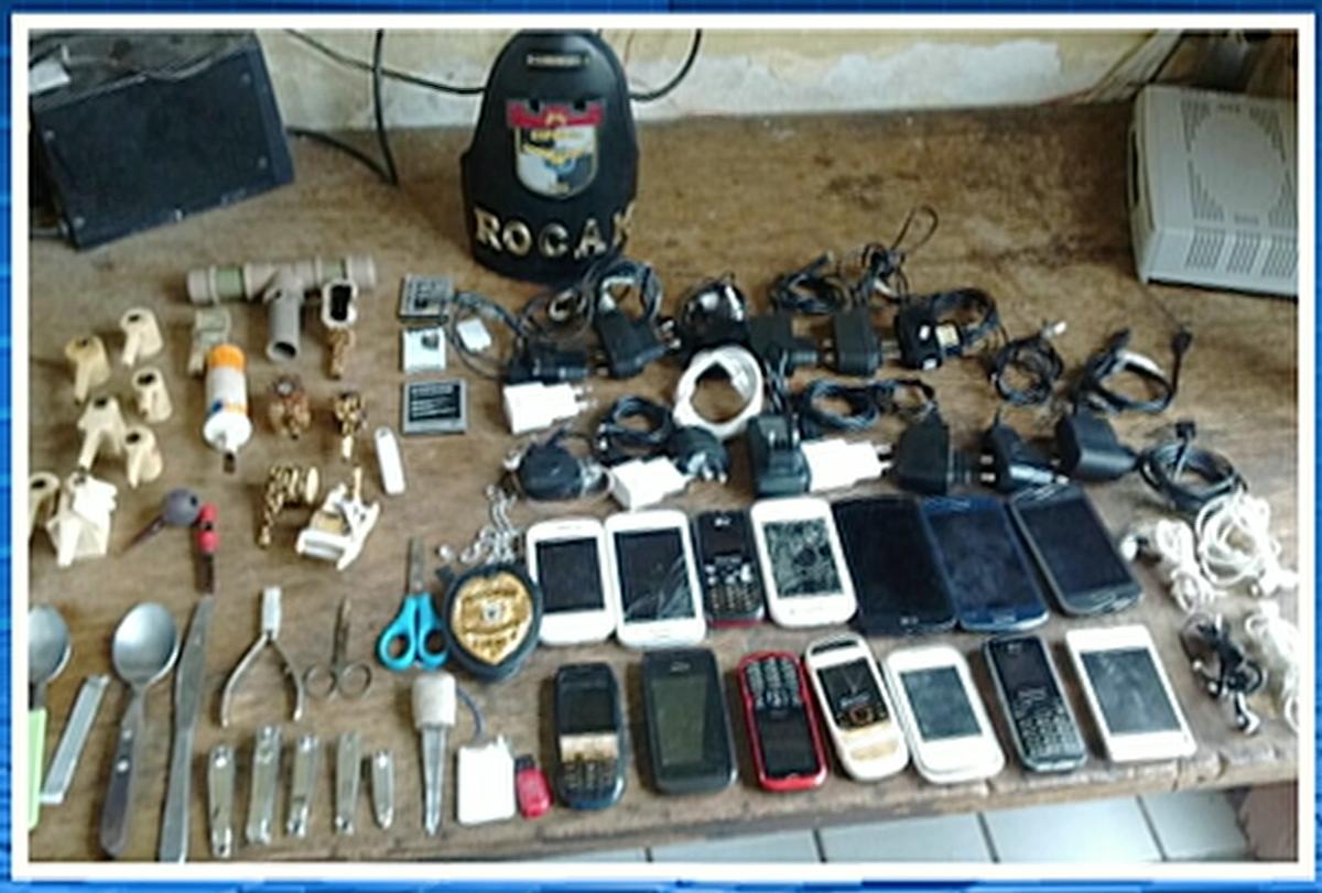 PM apreende 14 celulares durante revista na cadeia de Bezerros