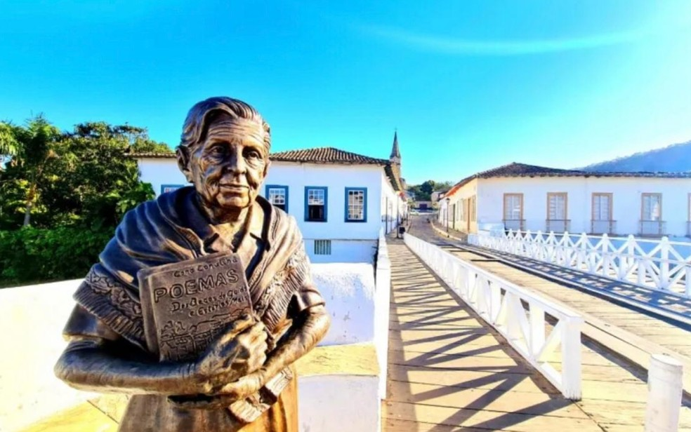 Estátua de Cora Coralina na cidade de Goiás — Foto: Divulgação/Prefeitura da cidade de Goiás