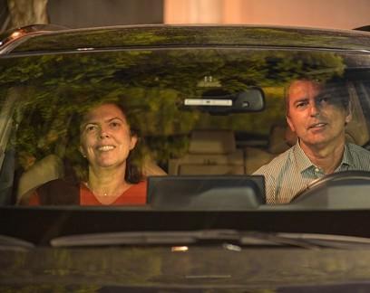 "Empresa que trouxe ""Parasita"" para o Brasil transforma estacionamento da família em cinema drive-in"