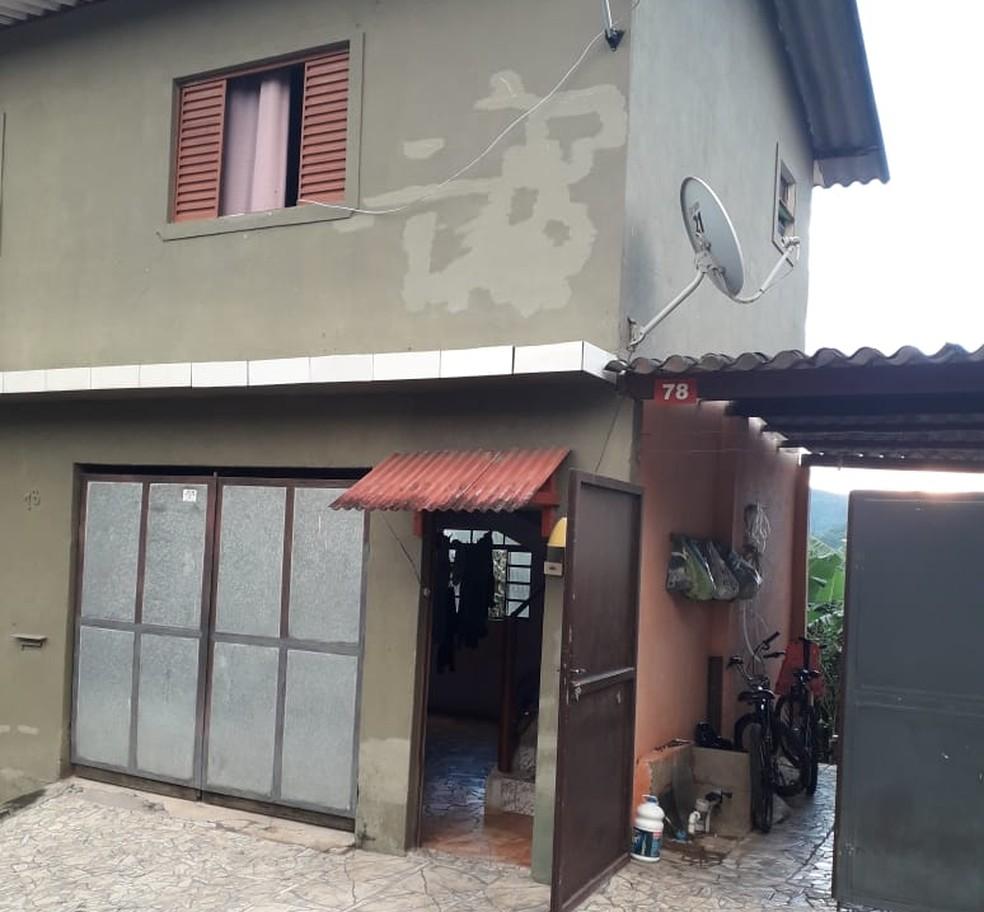 Crime aconteceu na casa da idosa, em Itariri, SP — Foto: G1 Santos