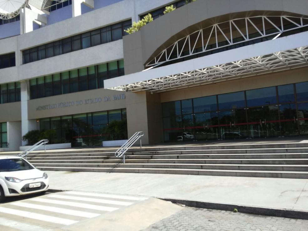 MP-BA acusa empresa de extorquir clientes fornecendo empréstimos ilegais com juros maiores que de bancos â?? Foto: Henrique Mendes/G1