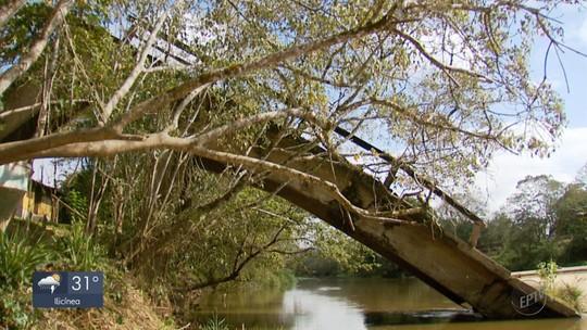 Ponte que caiu há 13 anos dificulta vida de moradores entre cidades no Sul de Minas