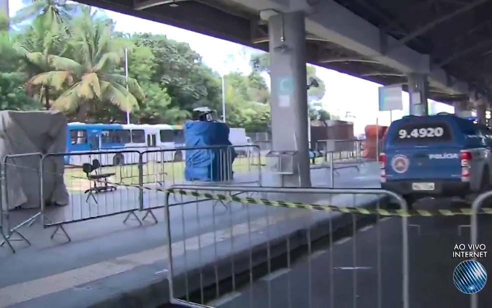 Estação Mussurunga, onde homem matou a ex-cunhada à facadas e depois se matou em Salvador (Foto: Imagem/ TV Bahia)