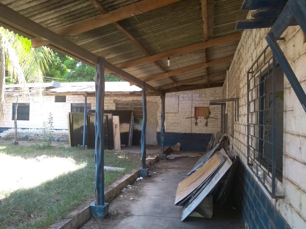Casa Azul é utilizada atualmente pelo Dnit e está em situação de abandono. Equipe tenta tombamento do local e transformação em memorial (Foto: Eugênia Augusta Gonzaga)