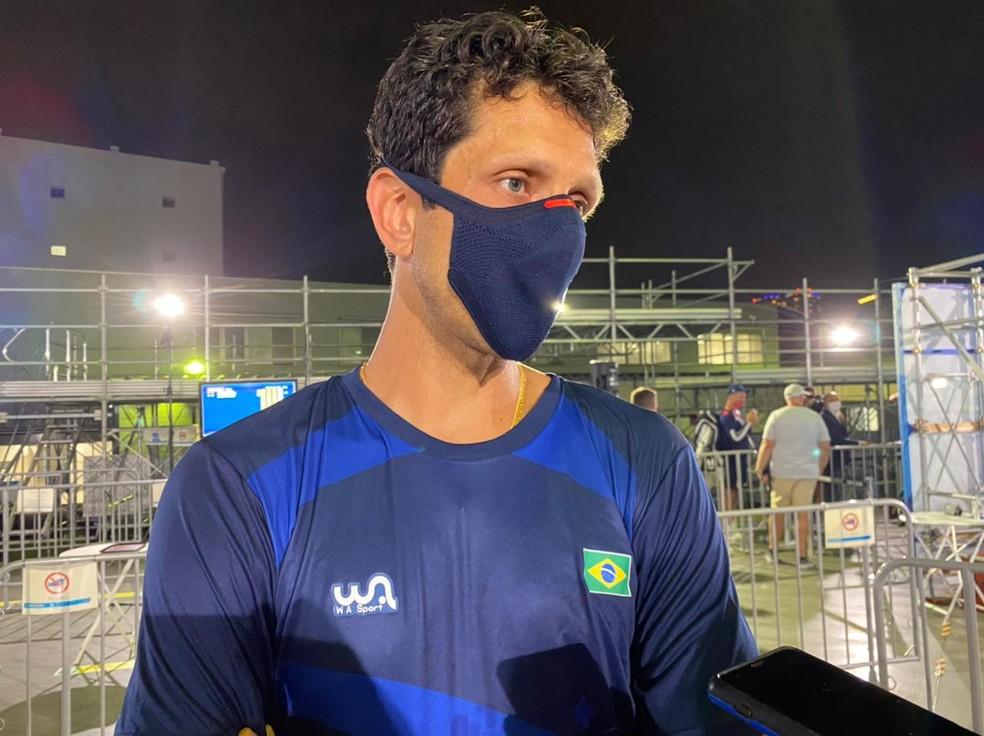 Marcelo Melo reclama da postura de Djokovic — Foto: João Gabriel Rodrigues