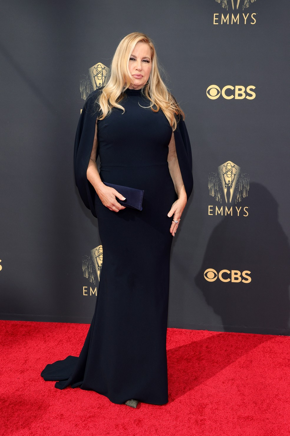 Jennifer Coolidge chega ao Emmy 2021 — Foto: Rich Fury/Getty Images North America/Getty Images via AFP