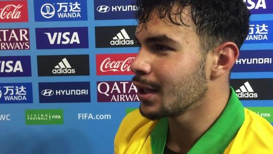 """Com marcas de """"guerra"""" contra França, Daniel Cabral exalta fôlego e êxtase em gol de Veron: """"Fiquei louco"""""""