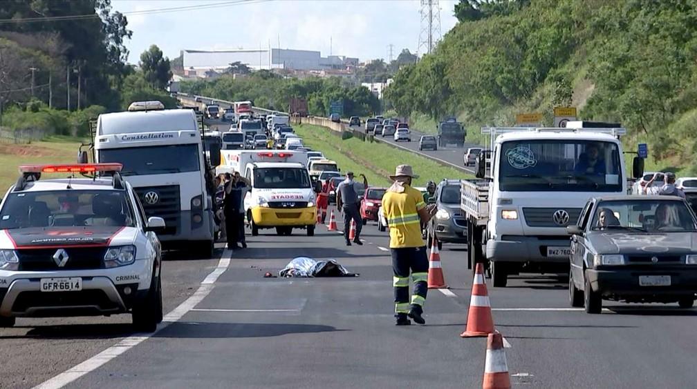 Congestionamento na pista interior-capital, próximo à Vila Santa Luzia, atingiu cerca de três quilômetros — Foto: TV TEM/Reprodução