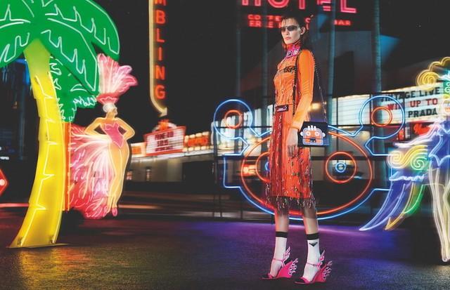 Neon Dream, a nova campanha da Prada (Foto: Divulgação)