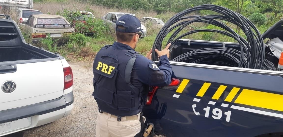 PRF prende homem com carga de fios de concessionária de energia na Grande Fortaleza