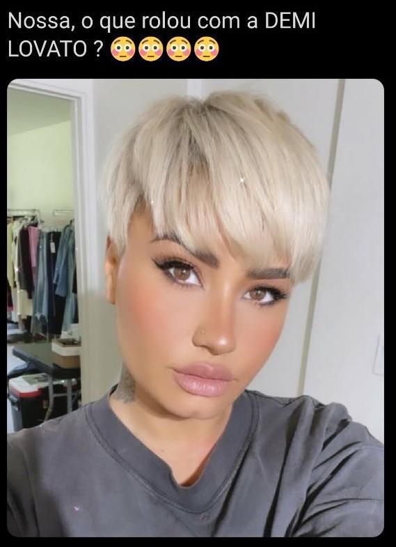 Internautas questionam novo visual de Demi Lovato (Foto: Reprodução/Twitter)
