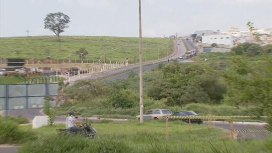 Motoristas reclamam de caminhões e alto número de acidentes em avenida de Varginha, MG