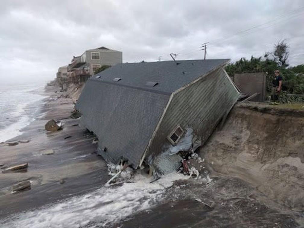 Casa é vista destruída após passagem do furacão Irma,  em Vilano Beach, na Flórida (Foto: St Johns County Fire Rescue via Reuters)