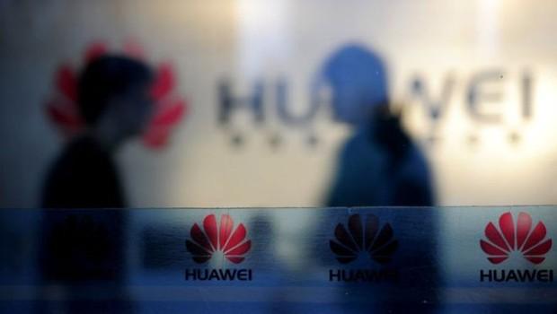 A gigante chinesa de tecnologia Huawei está no centro de uma polêmica (Foto: AFP via BBC)