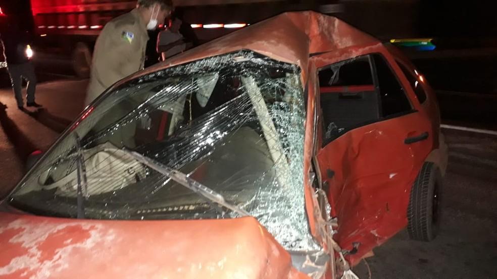 Colisão que deixou duas pessoas mortas ocorreu na noite desta quarta-feira (31).  — Foto: Divulgação/Corpo de Bombeiros