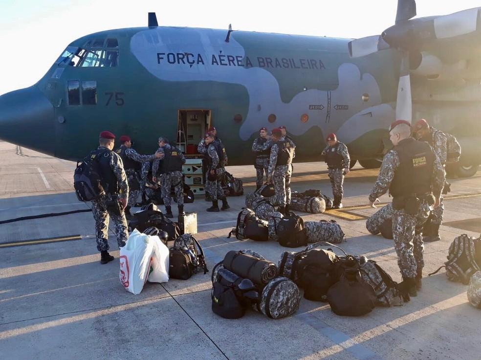 Integrantes da Força Nacional durante embarque em Brasília na manhã desta segunda-feira (20) (Foto: Ascom/MSP)