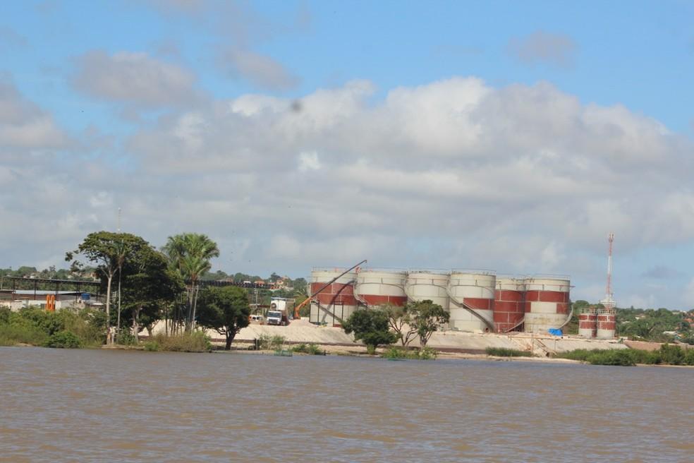 Obras de construção de porto de combustíveis no Maiacá avançam — Foto: Geovane Brito/G1