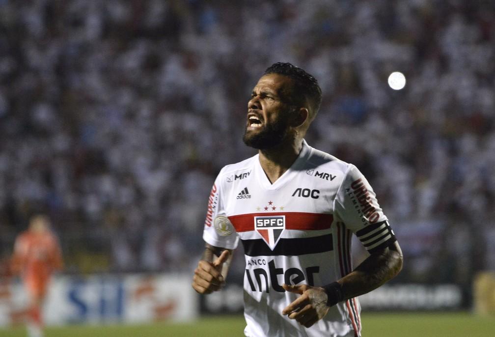 Daniel Alves São Paulo x Fortaleza — Foto: Marcos Ribolli