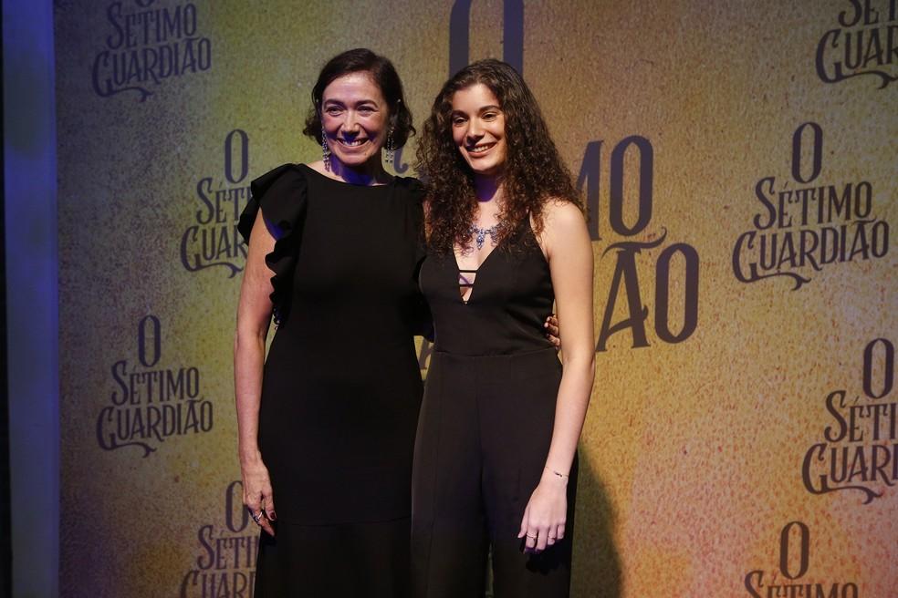 Lília Cabral com a filha Giulia Figueredo no lançamento de 'O Sétimo Guardião' — Foto: Fabiano Battaglin/Gshow