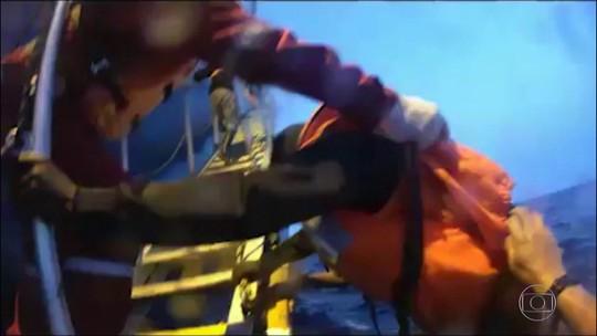 Itália diz que vai confiscar navios de resgate de imigrantes