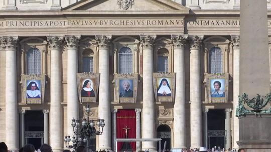 Fiéis vivem a expectativa para canonização de Irmã Dulce