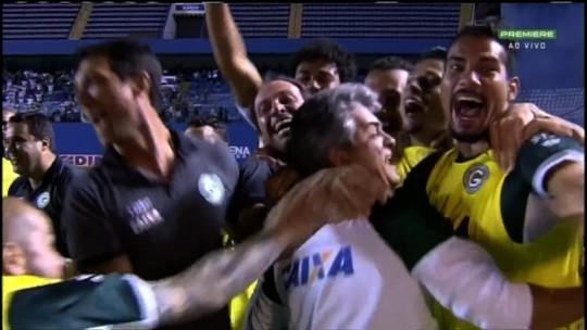 """Novato como dirigente, Túlio exalta início com pé direito: """"Era um ano crucial na vida do Goiás"""""""