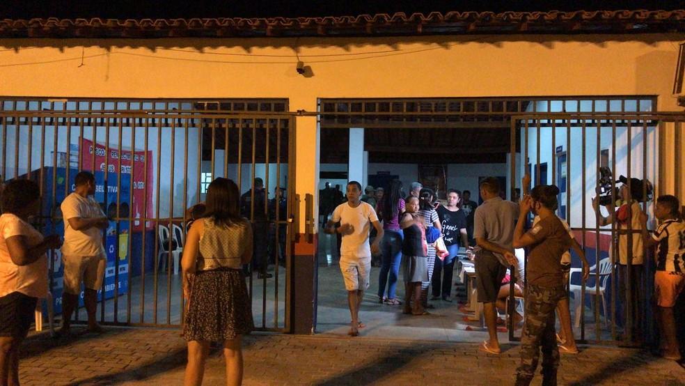 Famílias foram levadas para a escola Agripina Portela, em José de Freitas (Foto: Aniele Brandão/TV Clube)