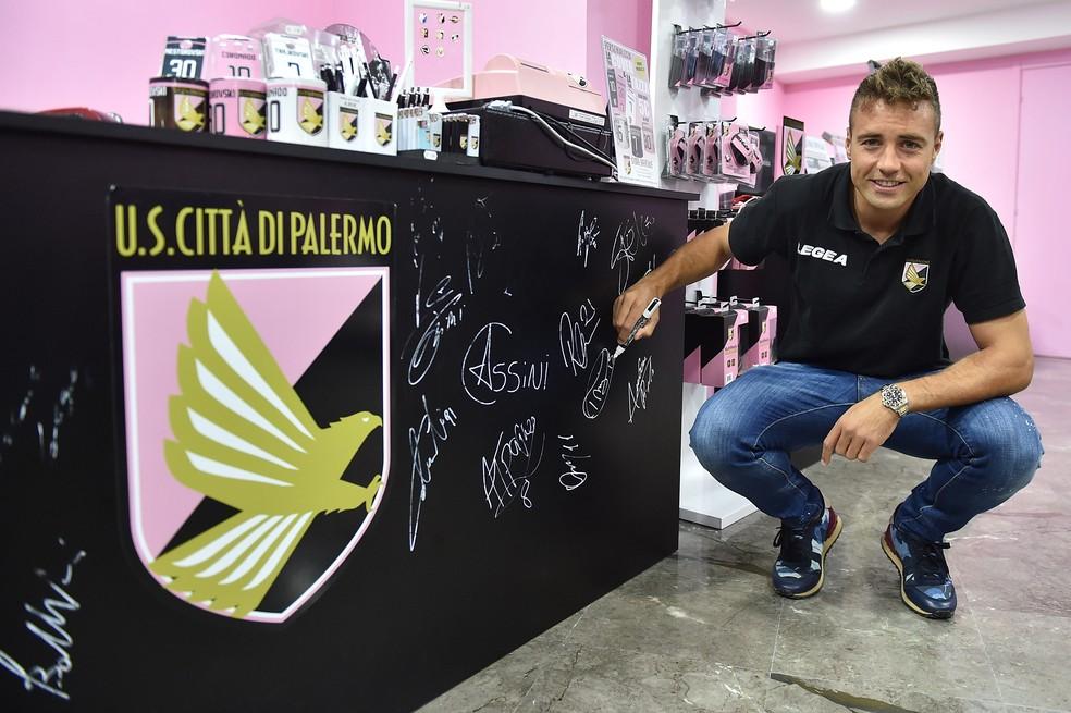 Thiago Cionek participa de evento pelo Palermo (Foto: Tullio M. Puglia/Getty Images)