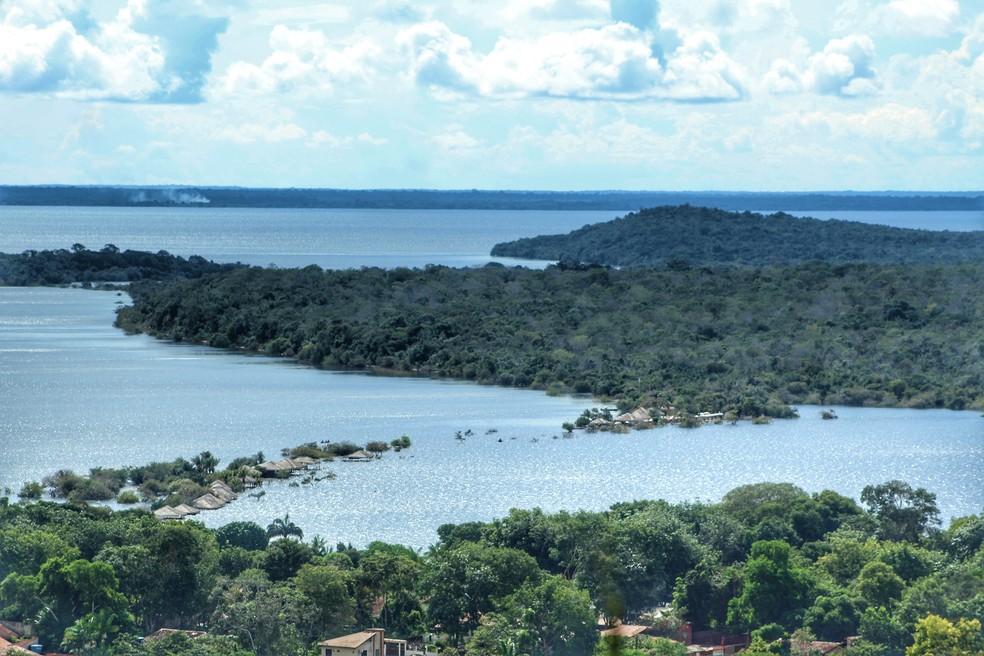 Imagem de maio deste ano da Serra do Carauari para a Ilha do Amor, em Alter do Chão, Pará — Foto: Geovane Brito/G1