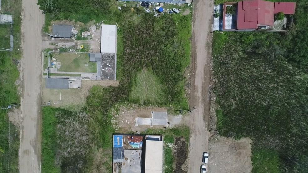 Local do suposto pouso está entre casas, mas em região afastada do centro (Foto: Edilson Almeida/Prefeitura de Peruíbe)