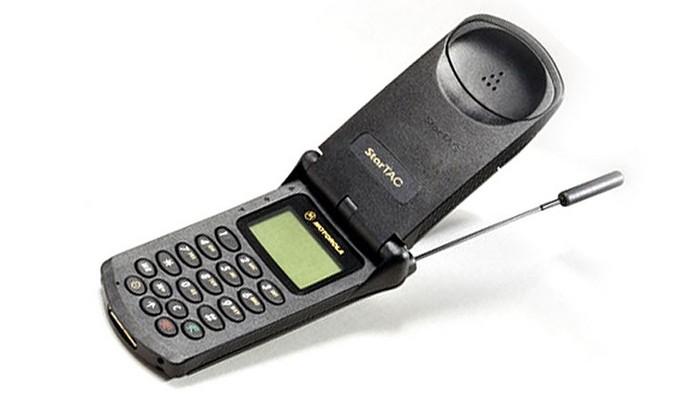Motorola StarTAC (Foto: Divulgação/Motorola)
