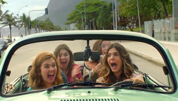 Klara, Maisa, Mel e Giovanna Lancellotti em cena em Fusca conversível (Foto: Divulgação)